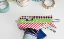 Washi Tape Hot Glue Gun; for more washi projects and inspiration visit thewashiblog.com | #washi #washitape