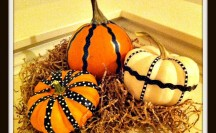Washi Tape Mini Pumpkins | For more washi projects and inspiration visit thewashiblog.com | #washi #washitape #pumpkins